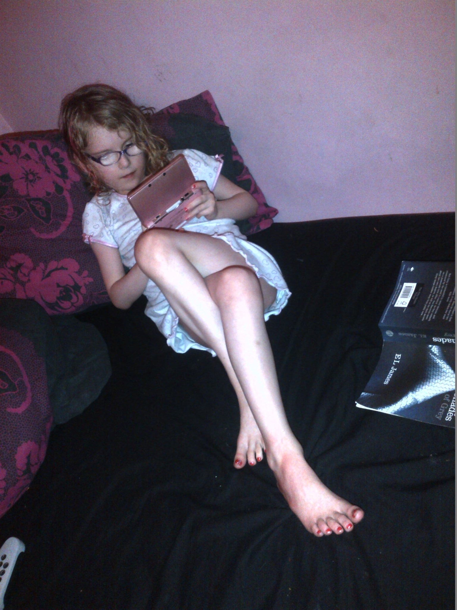 orla doing her favourite thing - playing on her nintendo 3ds