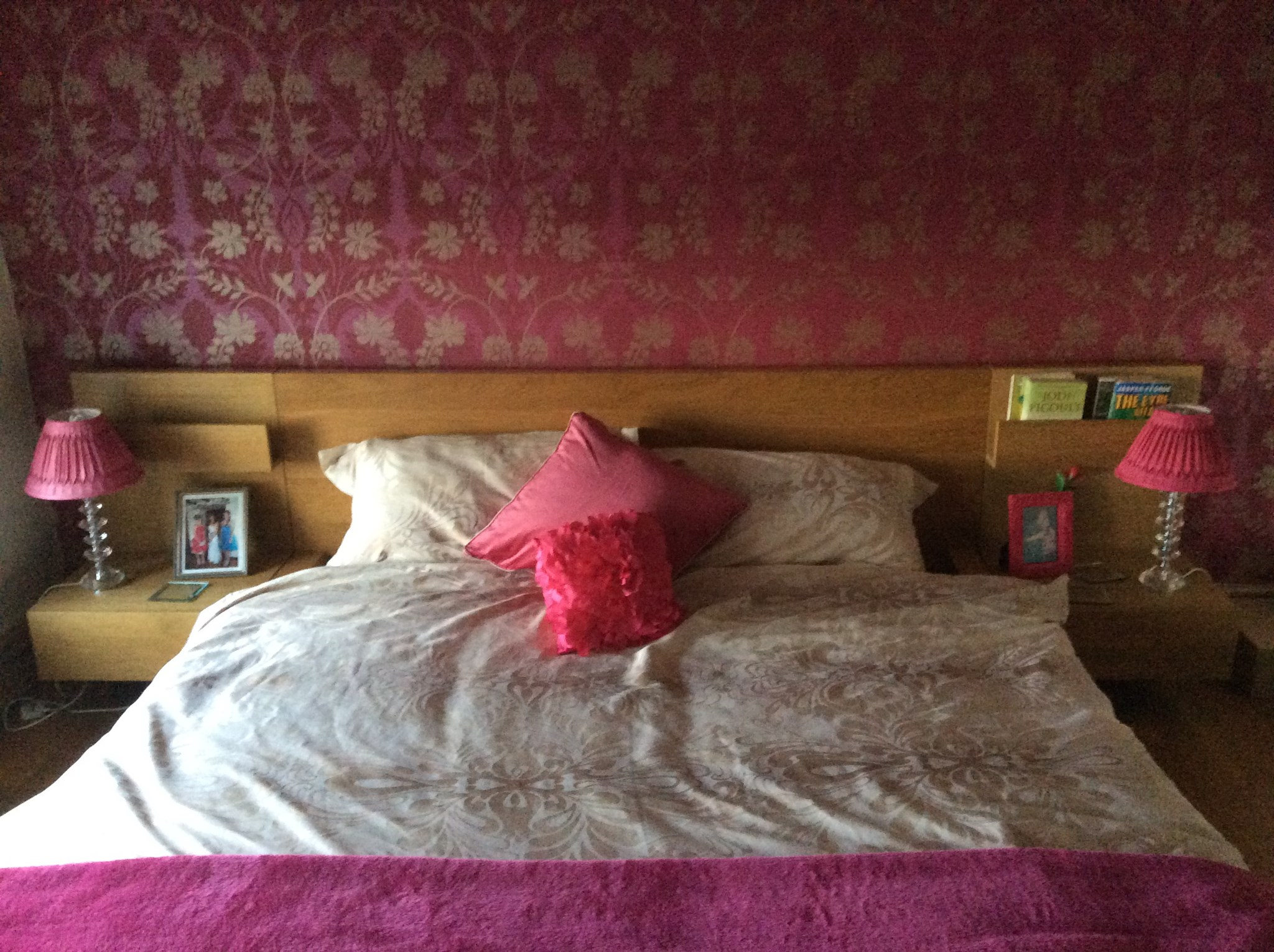 Helens pink bedroom