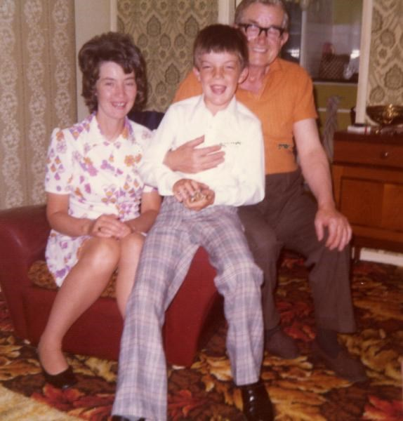 1976 - With father Arthur and son David.