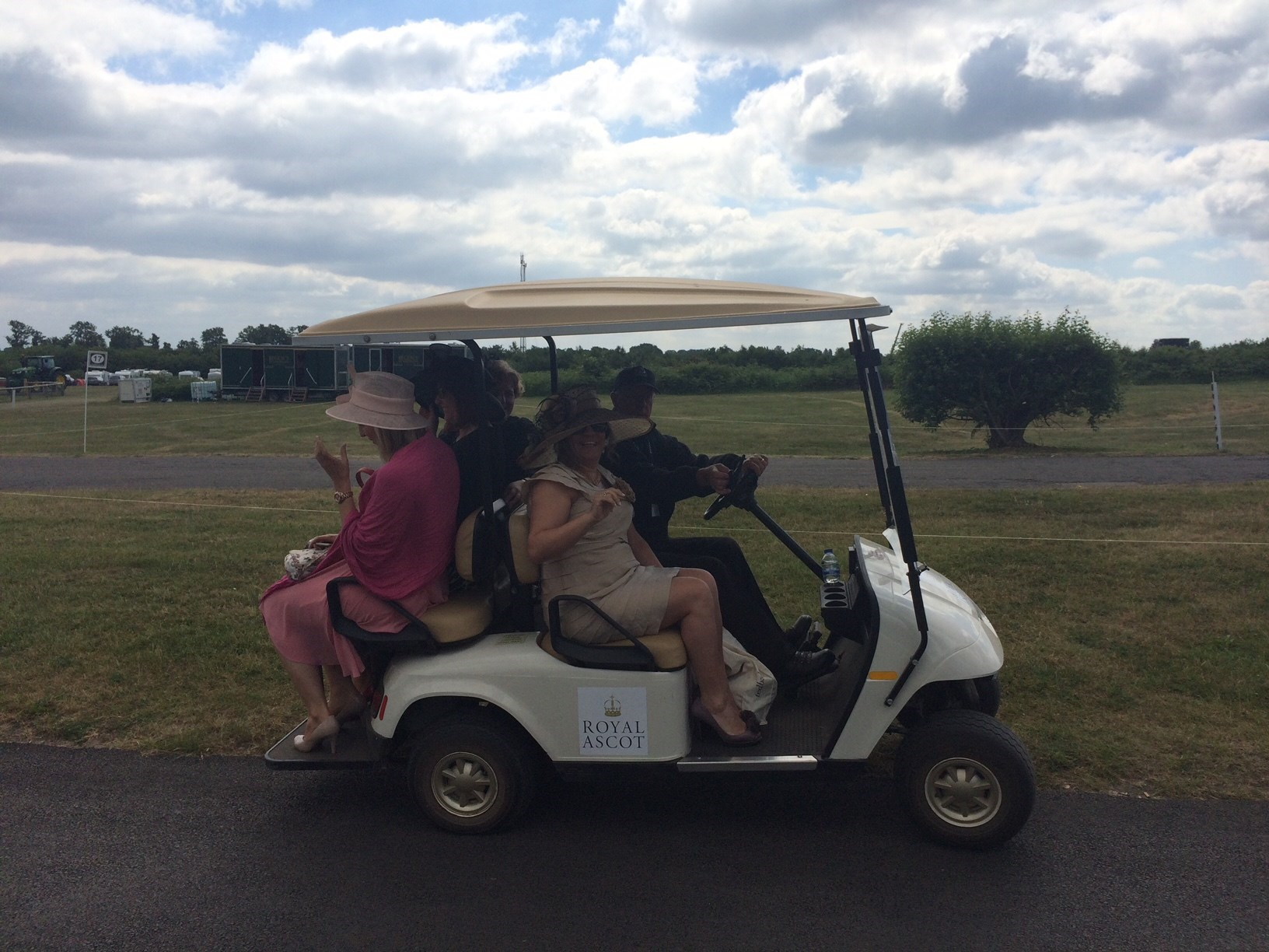 Ascot June 2015, Maria insisted on a golf buggy!