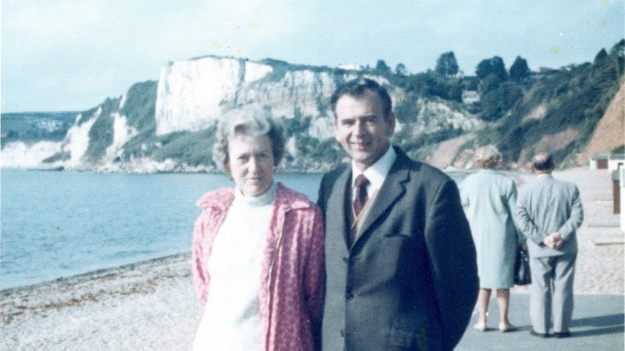 Rod with first wife Mabel in Seaton