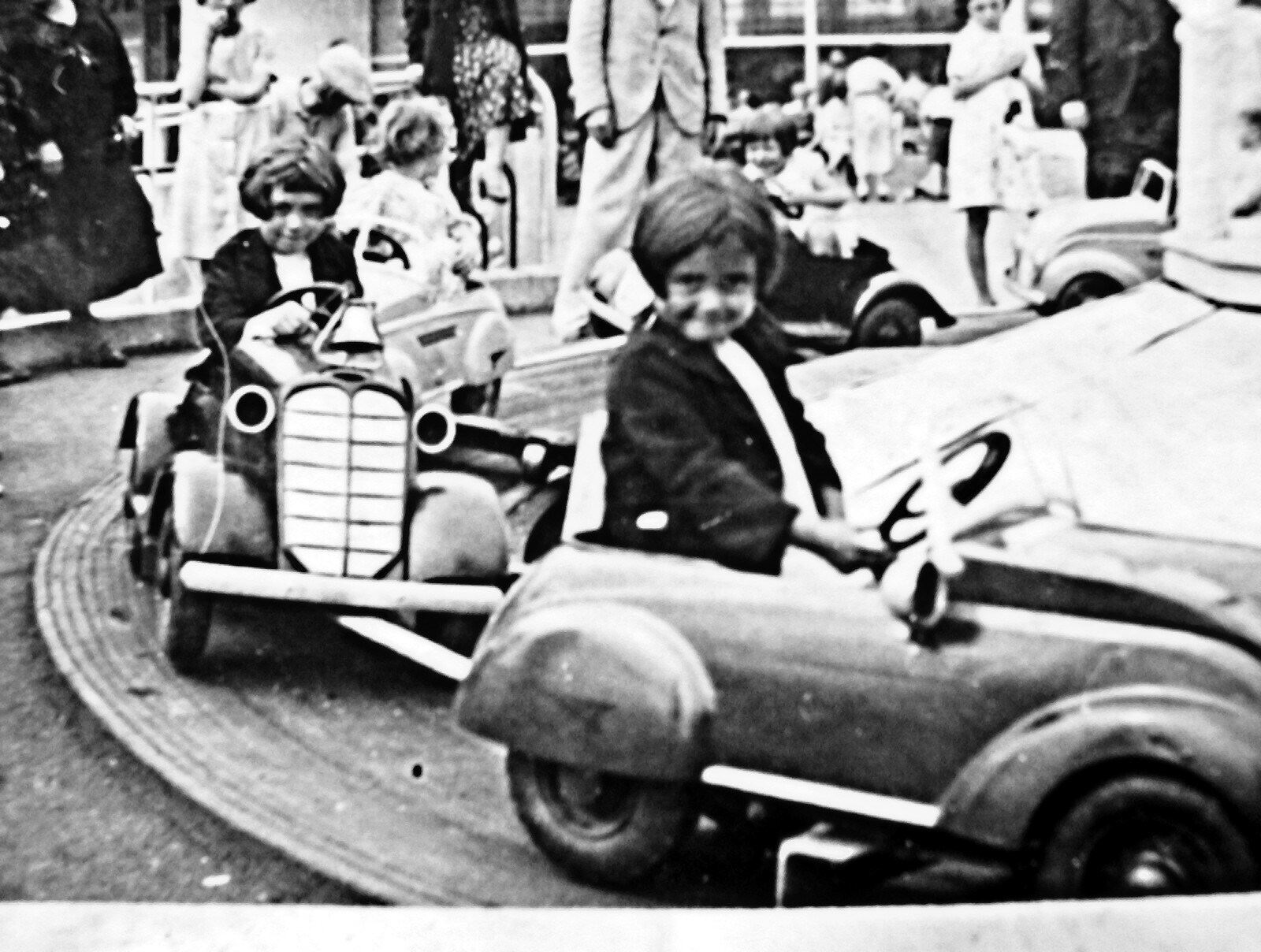 JOYCE FIRST CAR DORIS FOLLOWING CAR