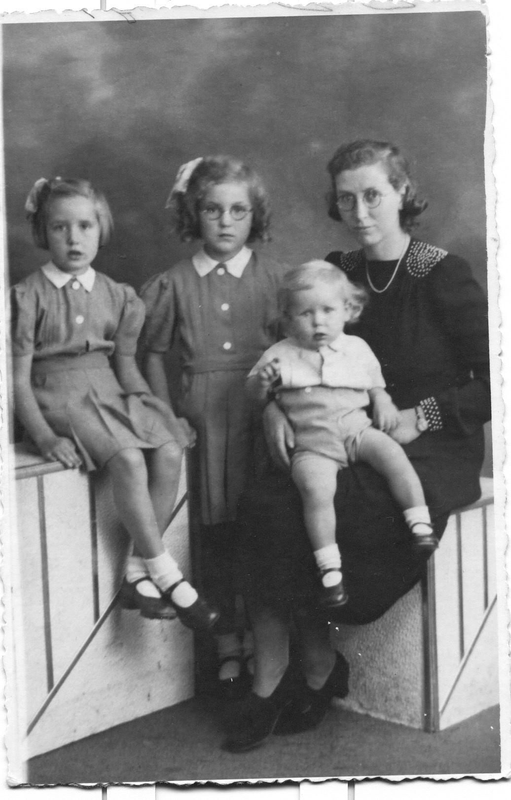 1944 - With Mum, Cynthia and Richard. Sylvia is 8 years old.