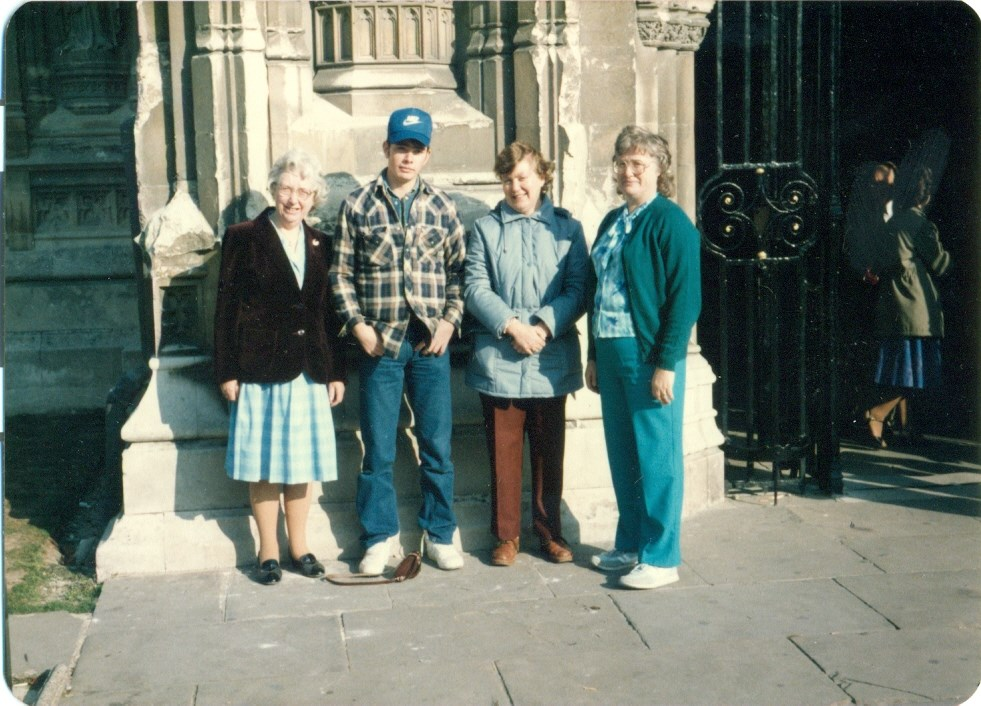 1985 - Sylvia with Mum, nephew Mark and Cynthia outside Rochester Cathedral.