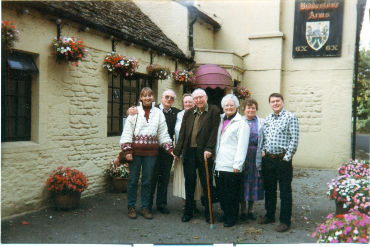 1998 - A family pub lunch: Karma, Peter, Diane, Uncle Frank, Cynthia, Sylvia and John.