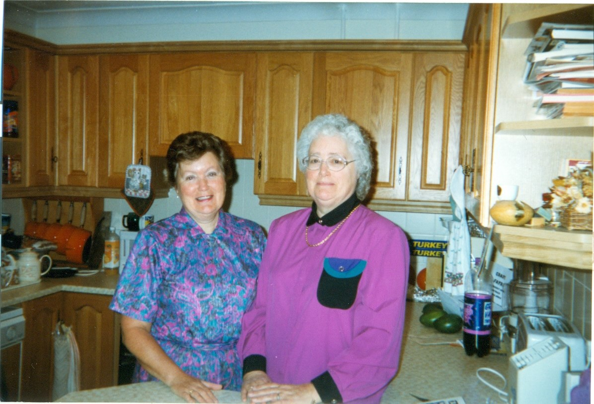 1998 - Sylvia and Cynthia in Sylvia's home in Reading.