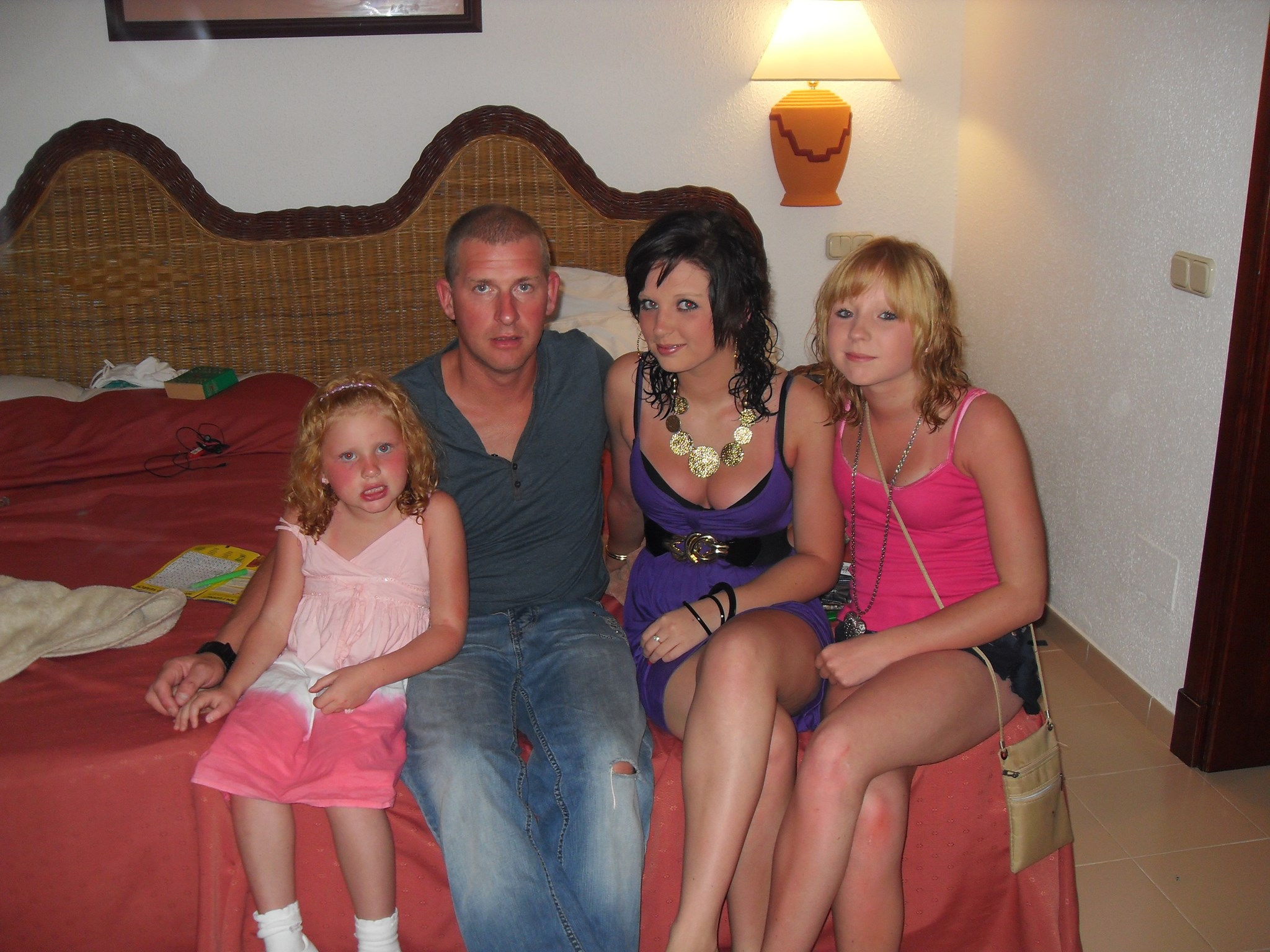 claudi,dad,maddy and tilly