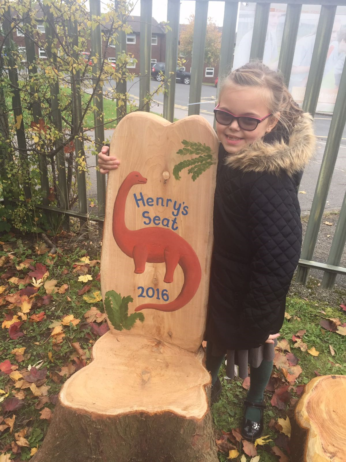 Tilly unveiled Henry's seat at school. 19/10/2016