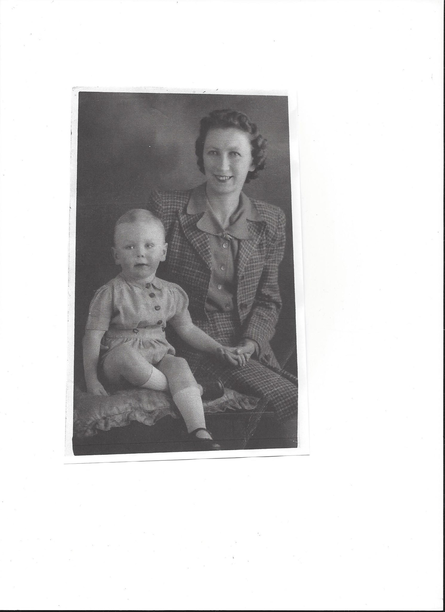 Mum with David 22.1.1946 (larger photo)