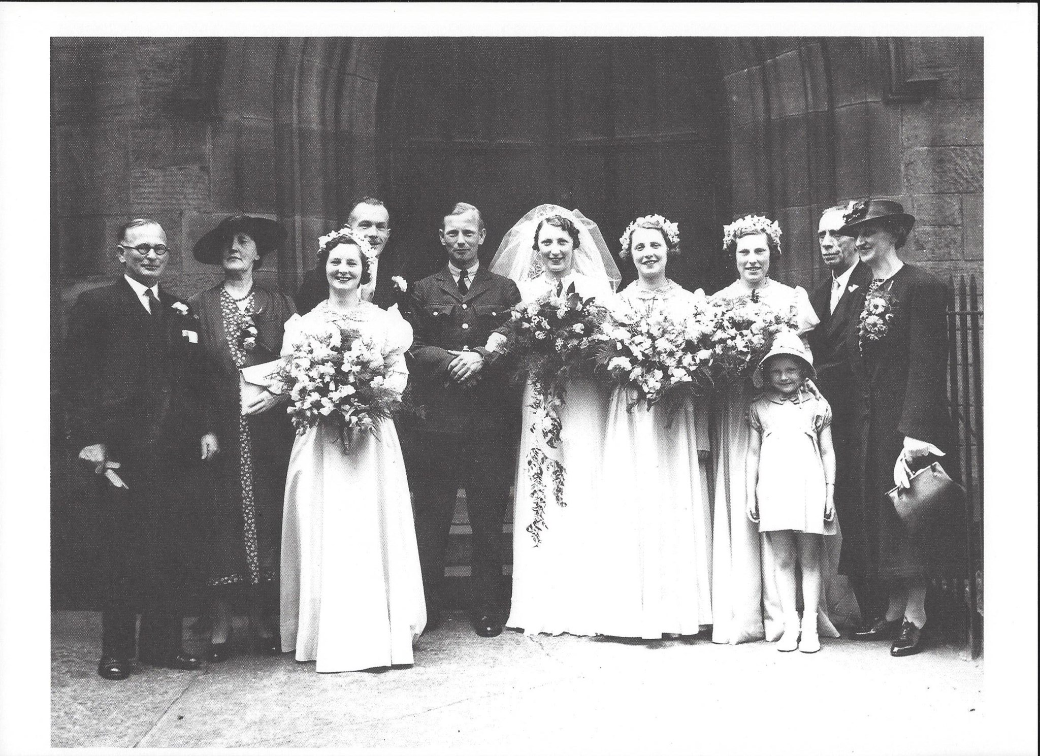 Mum & Dad wedding 1.6.1940 family group