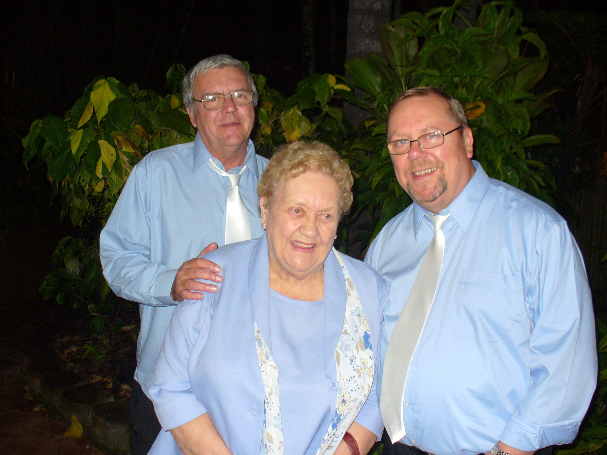 Uncle Robbies Mum and Brothers