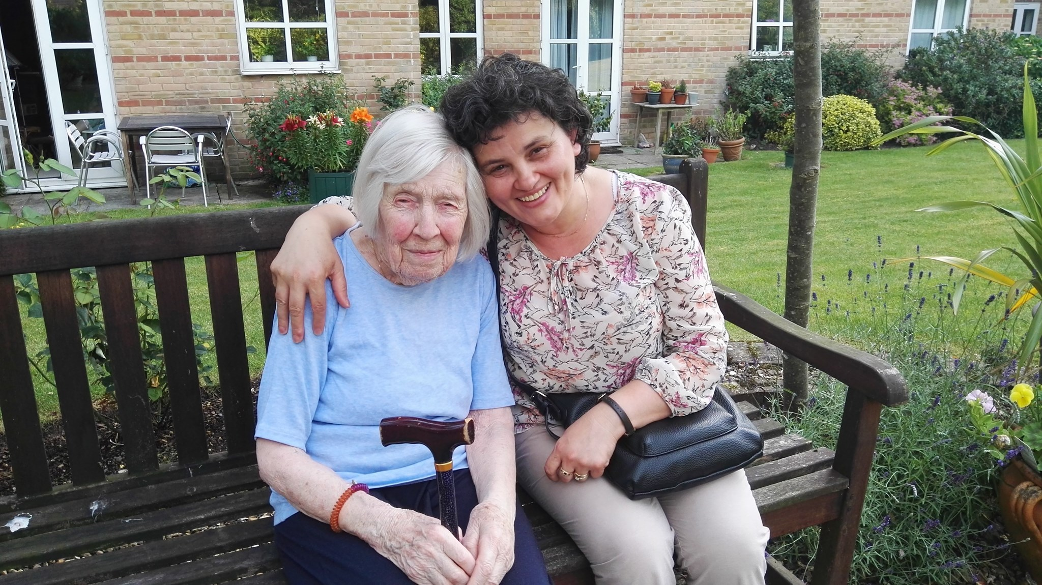 Janette and Neta at Bishops View Court, September 2017