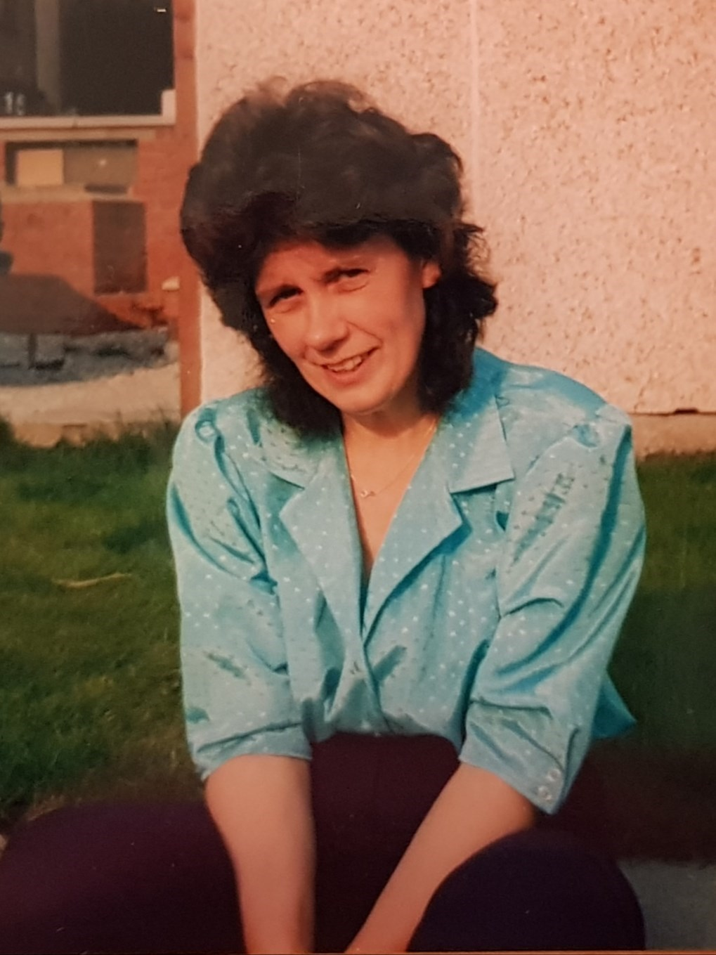 1990 before attacking Barry's garden