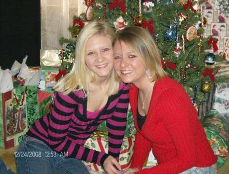 Christmas Day 2008 Alisa (sister) and Brittney