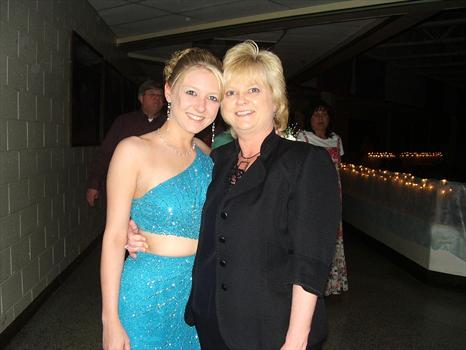 Brittney and her mom, Delissia at Senior Prom