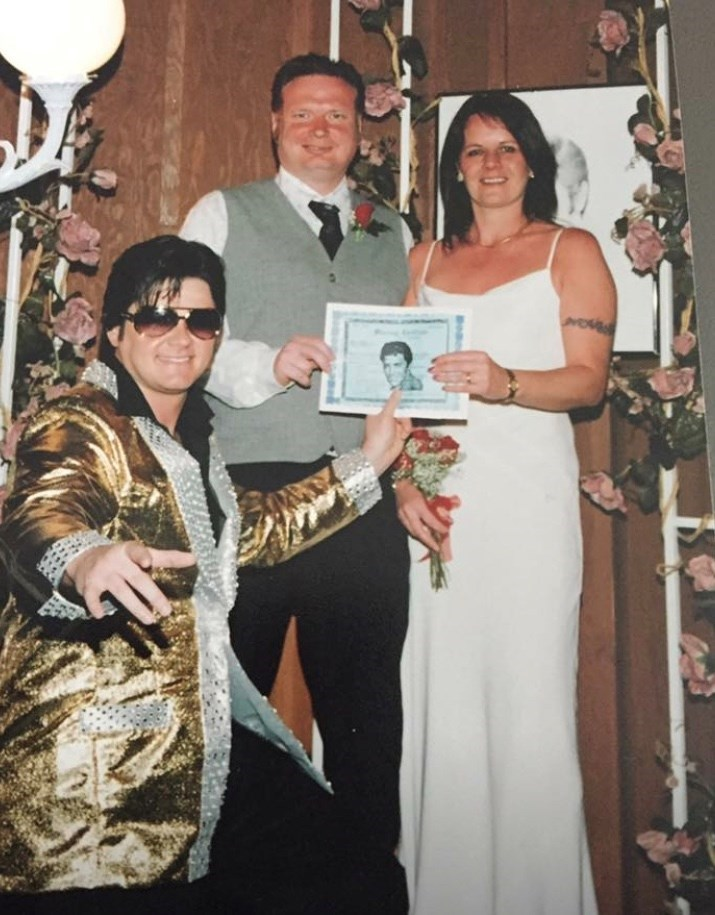 There was always 3 of us in our marriage lol xxx