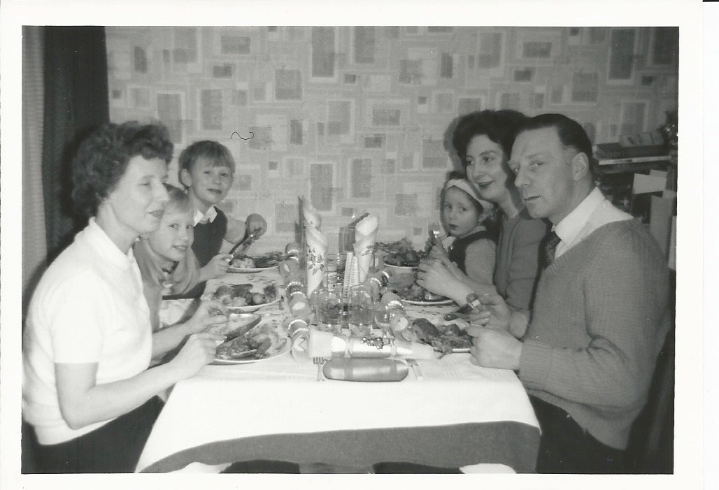 c1966 - A Ferry Merry Christmas at Harlow, Kay, Sue, Ray, Rhonda, Olive & Sid