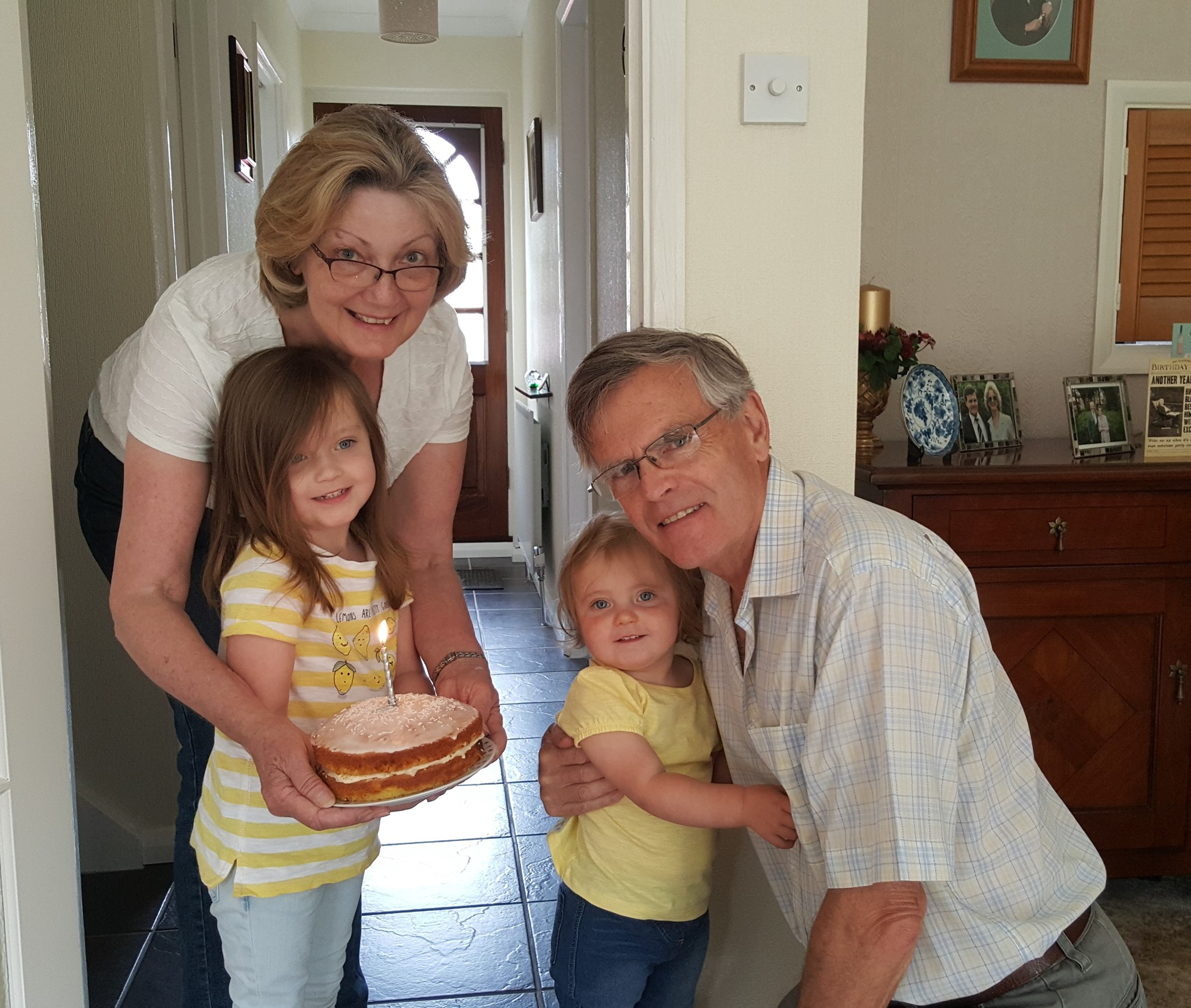 Margaret, Julian, Caitlyn, Chloe - Julians 68th Birthday (2015)