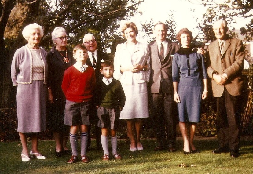 Nobes family with cousins Isa.Gordon from Canada, circa 1965