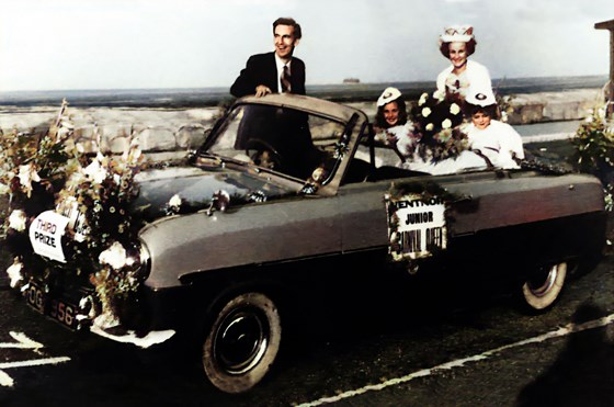 OGO Ford Zephyr with Ventnor Junior Carnival Queens colourised