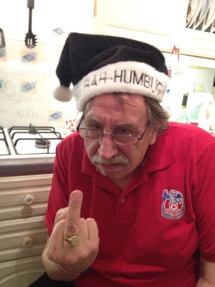 We all know Les wasn't a big fan of Christmas, so when asked to wear a hat, this one said it all!