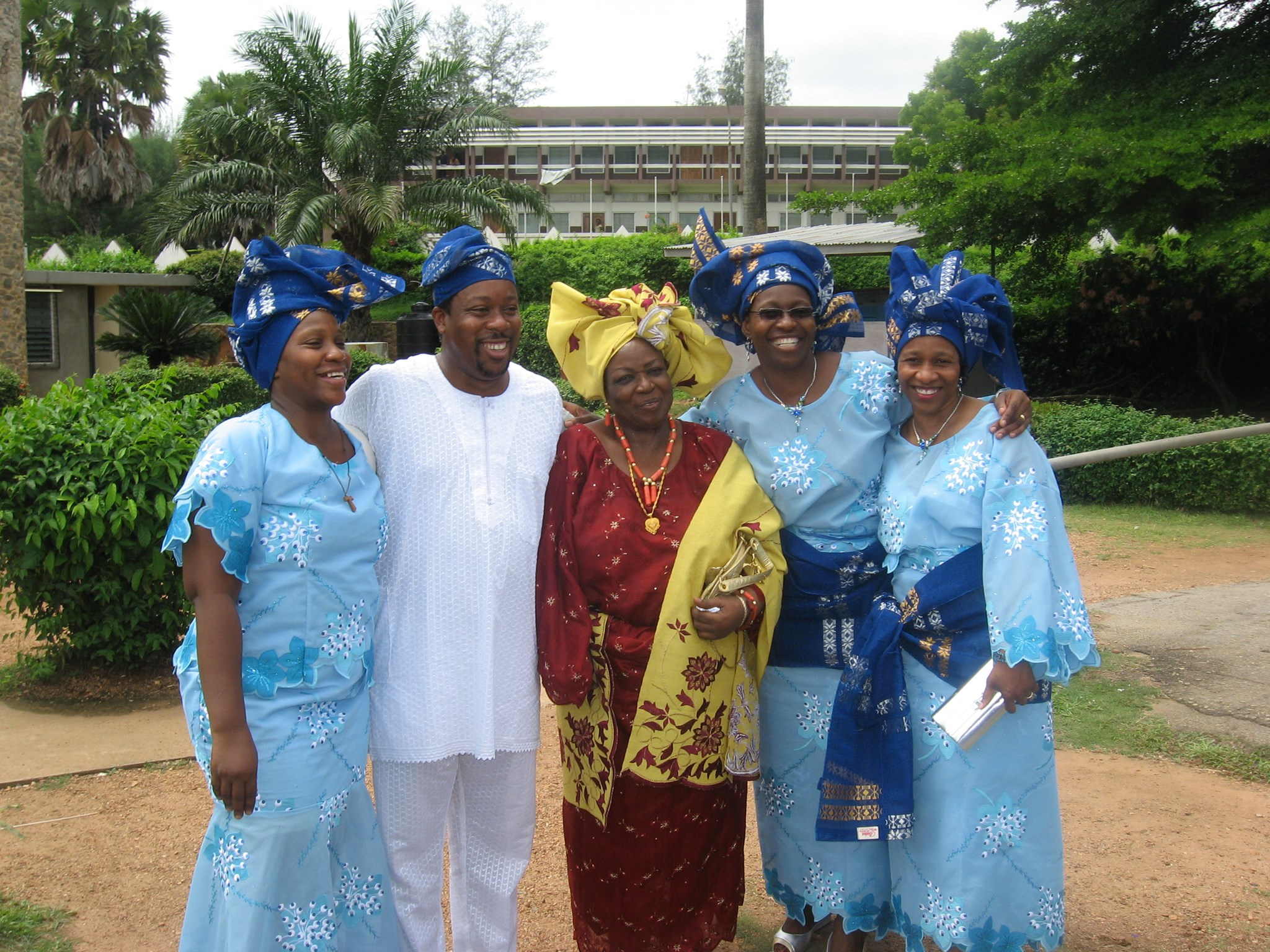 Iyetade (left), brother Makin, mom Mrs Olayide Soyinka & sisters Moremi and Peyi