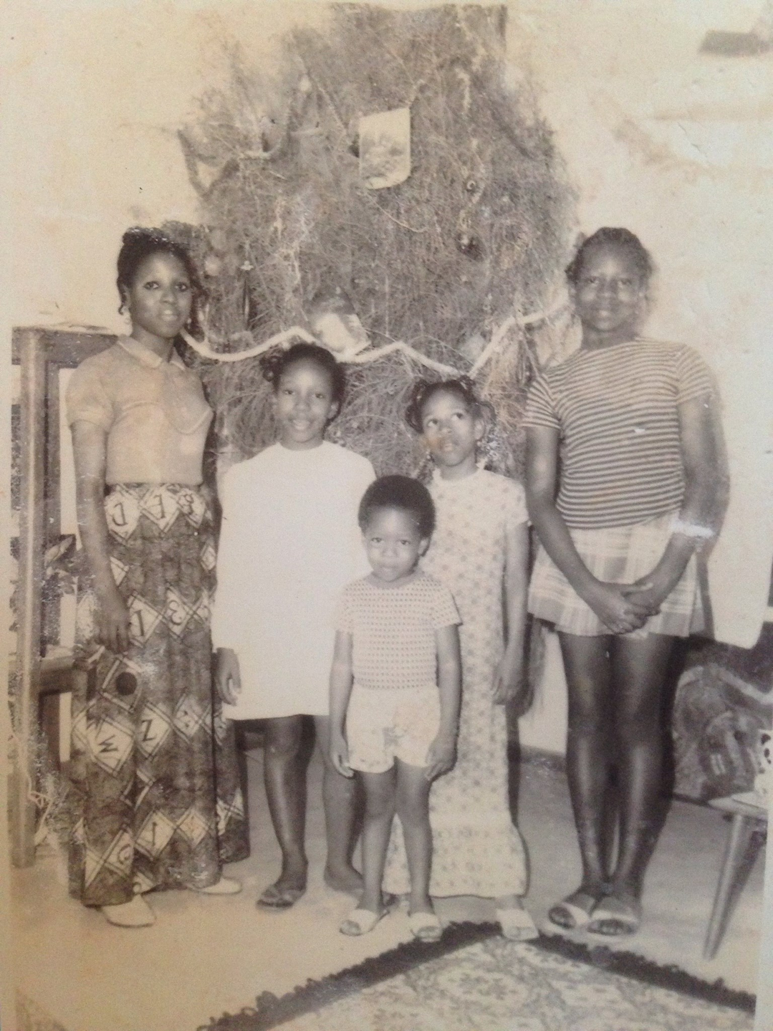 way back.. with our aunty Dupe, Iyetade, Makin, Peyi and Moremi at Christmas in U.I