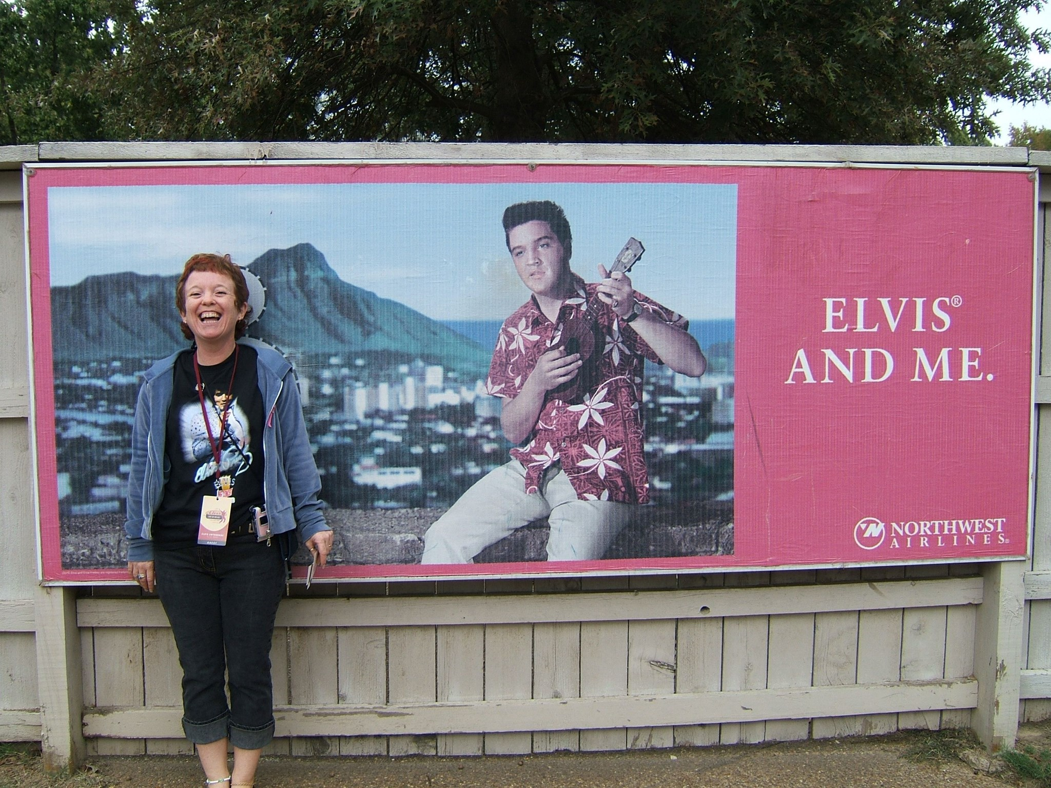 Carol & Elvis   Graceland October 2005