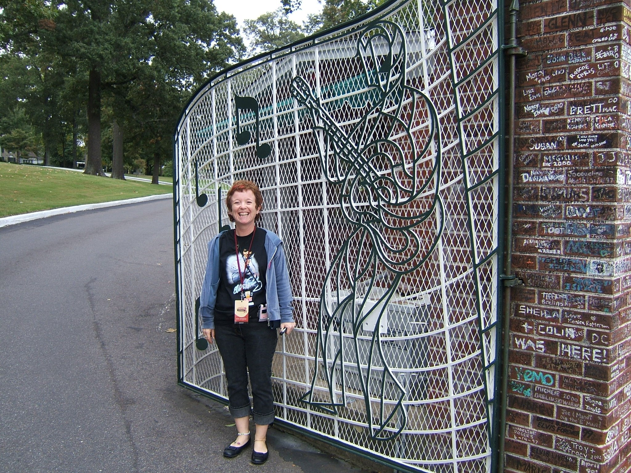 Carol at the Gates   Graceland October 2005