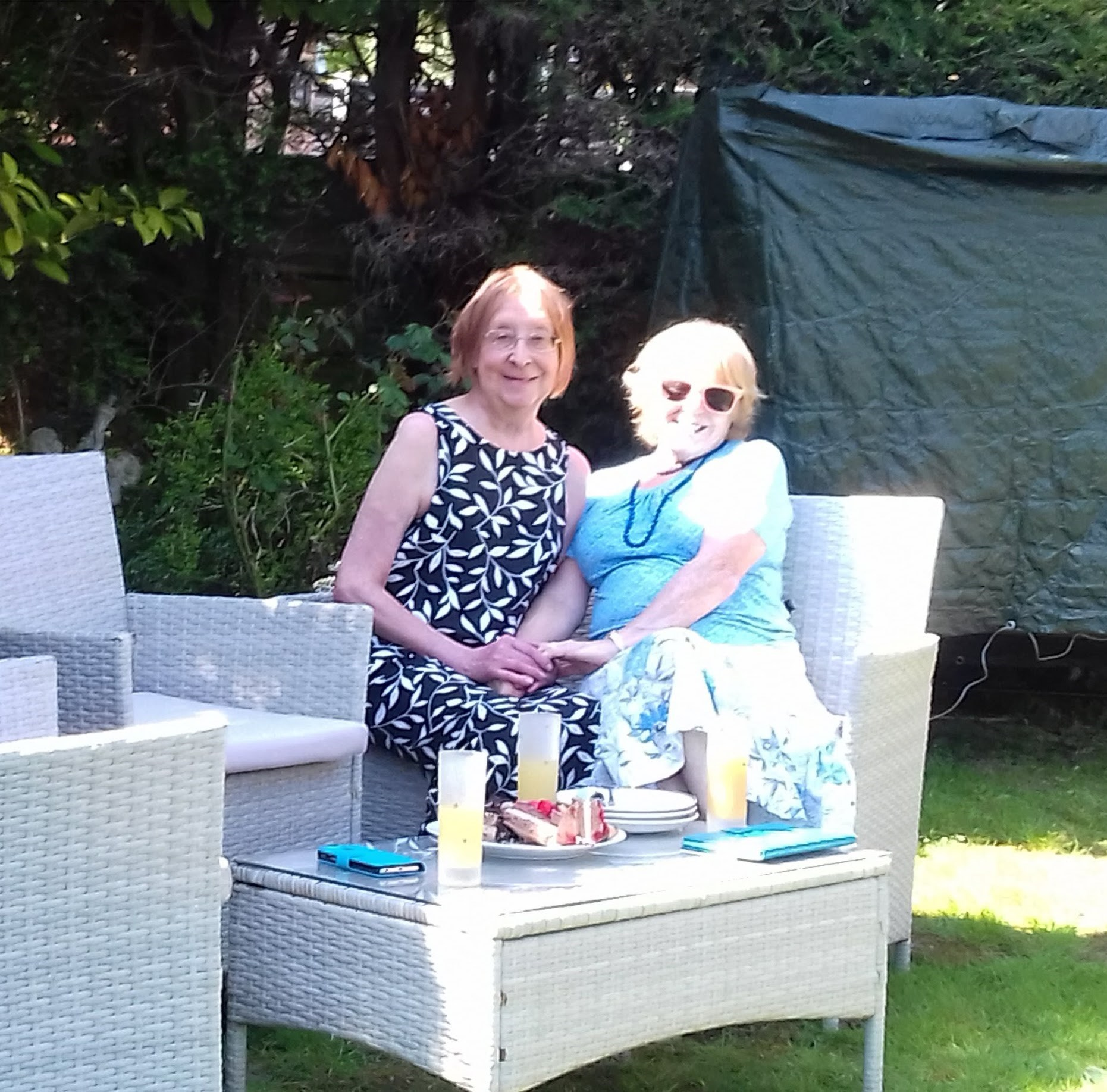 Lovely afternoon Jan and I spent with Bernadette on 20 April. We had Polish cakes,.