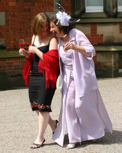 Gill and Nicki at Leanie's wedding - June 2006