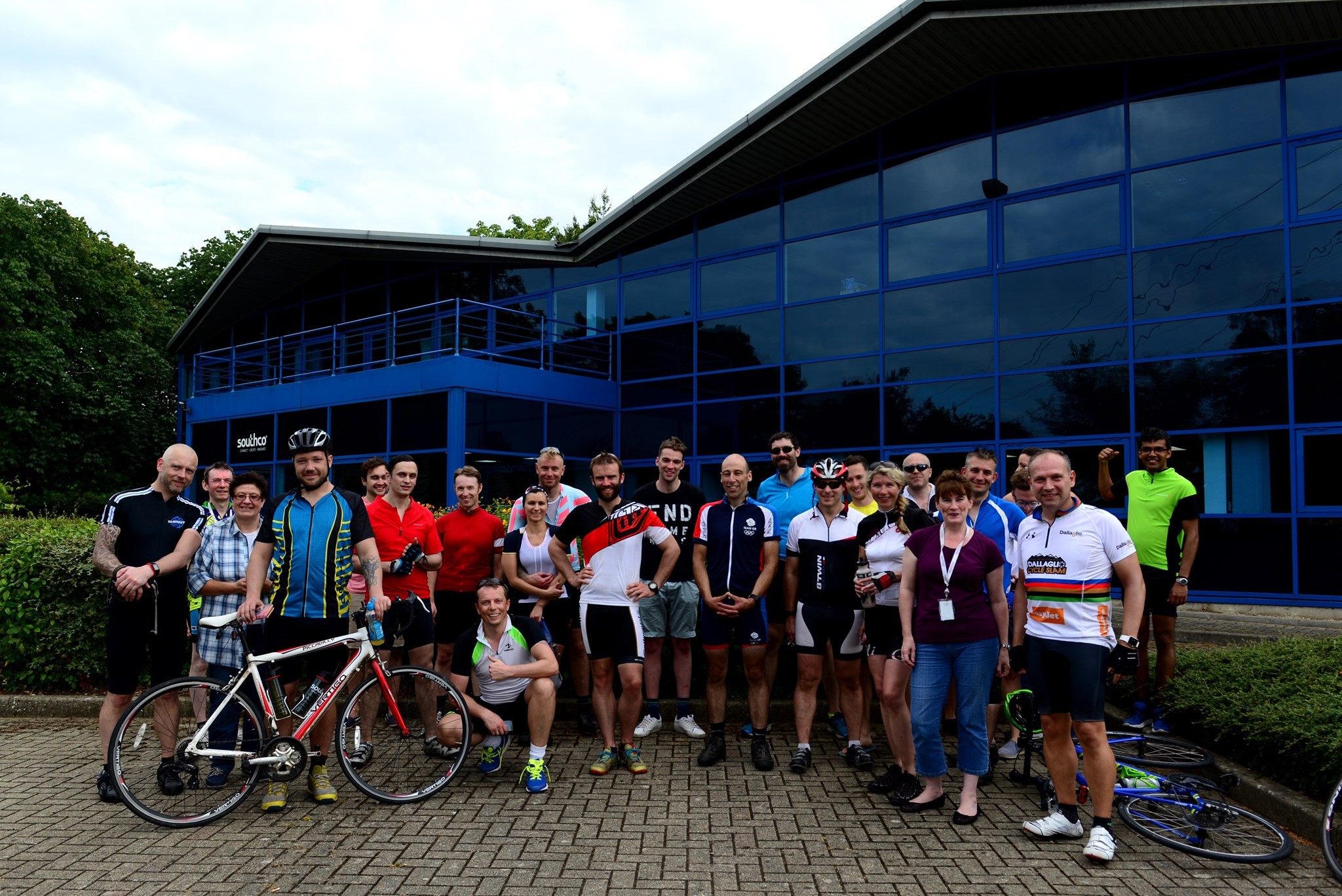 Tony and all of the Southco team that completed the Worcester to Farnham Ride in 2016.