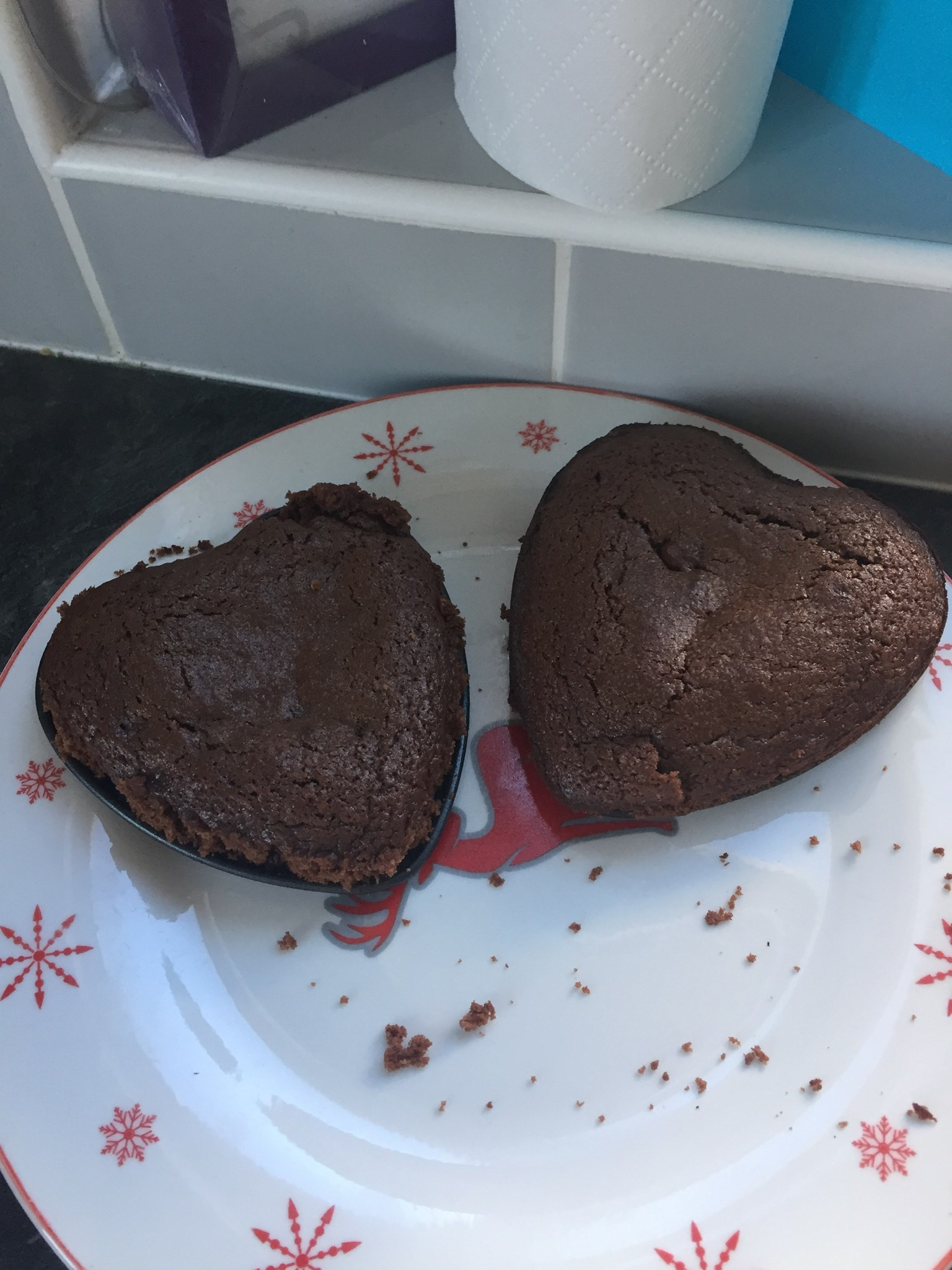 2 valentine cakes made. 1 for Riley 1 for daddy xxx