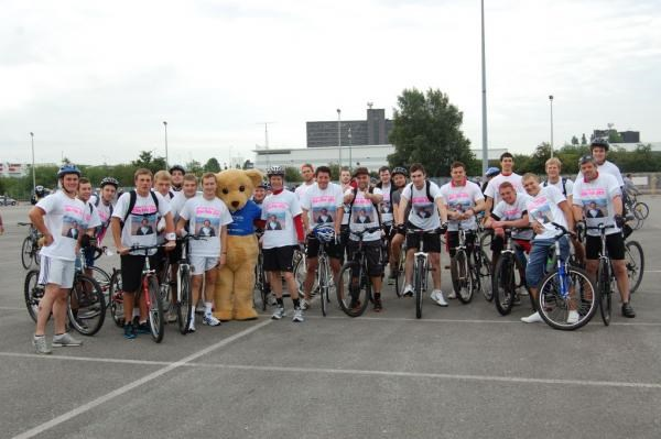 manchester to blackpool bike ride 2011