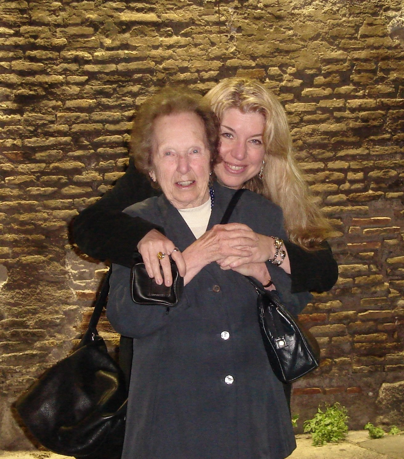 Mom & Cat just arrived in Rome, 2005