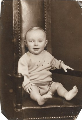 1933 Father at 1 year old Skipton Studio