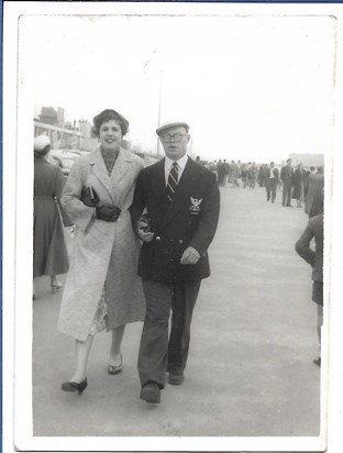 1956 08 Father & Mother, Cleethorpes promenade   staying at Auntie Bessie's