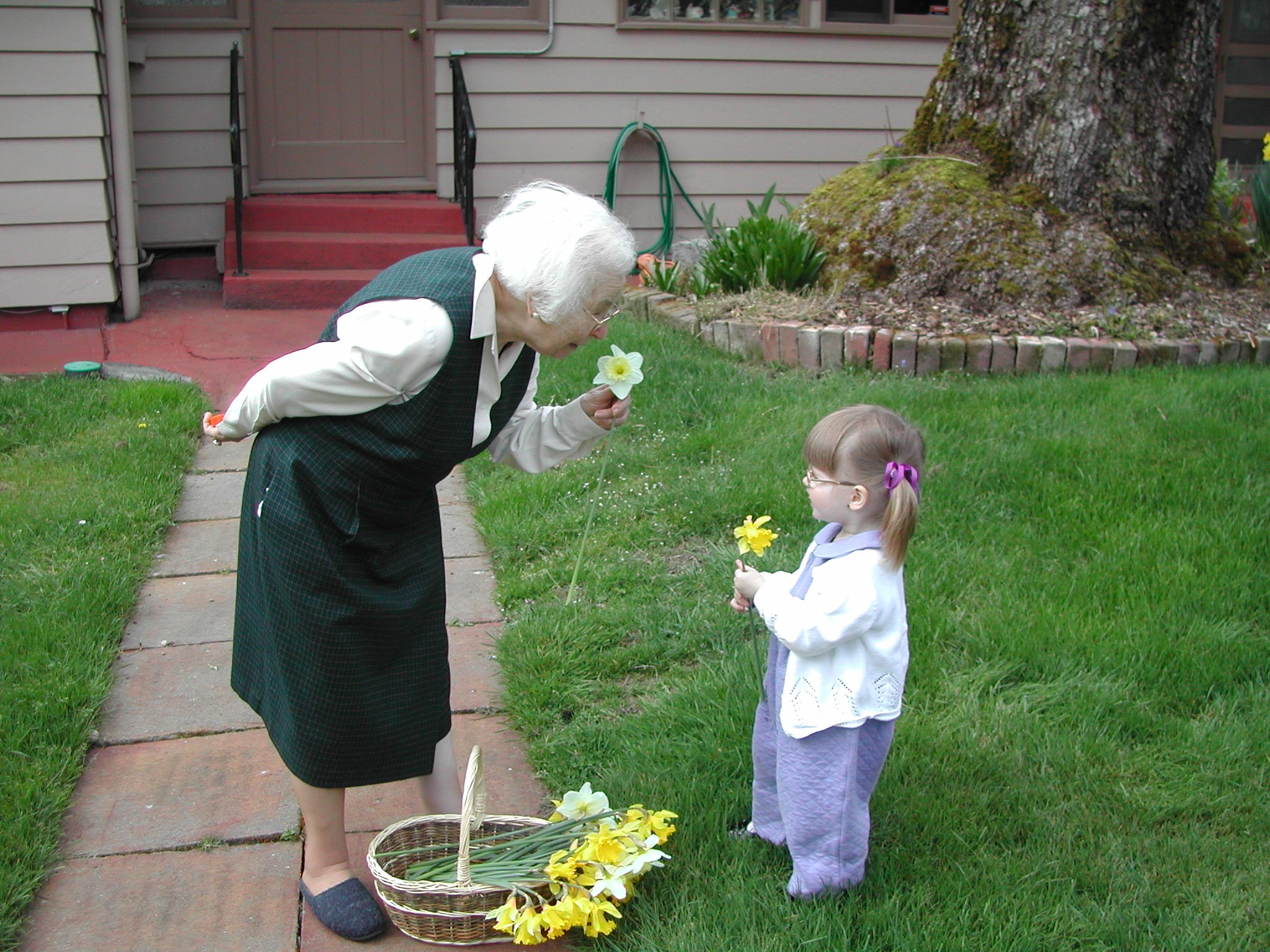 2002 March: Nano and Julia picking flowers