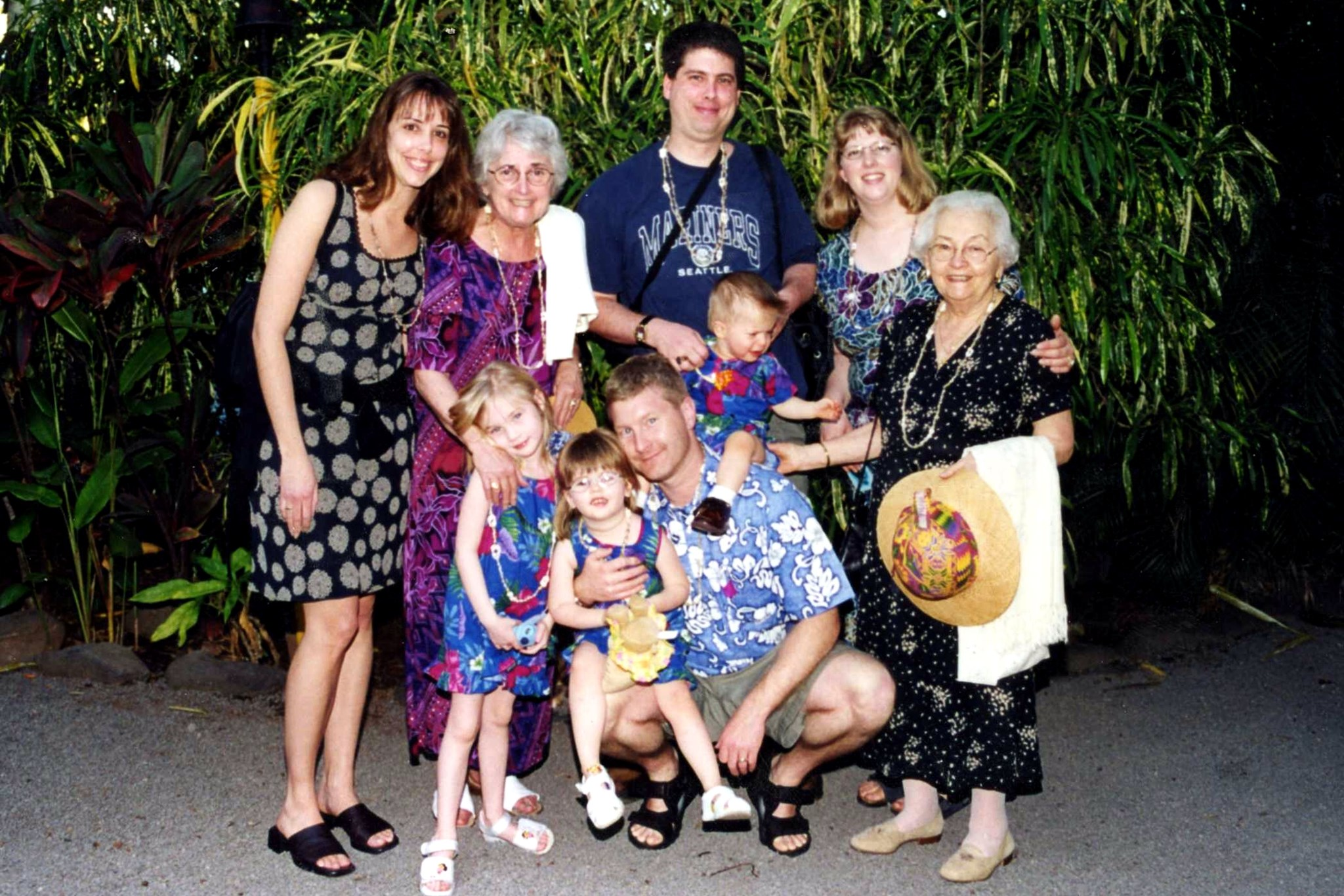 2002 nano marta chris susan julia nate greg goldie sydney hawaii