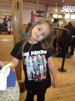 El was such a big One Direction fan...will never forget driving her to see them!
