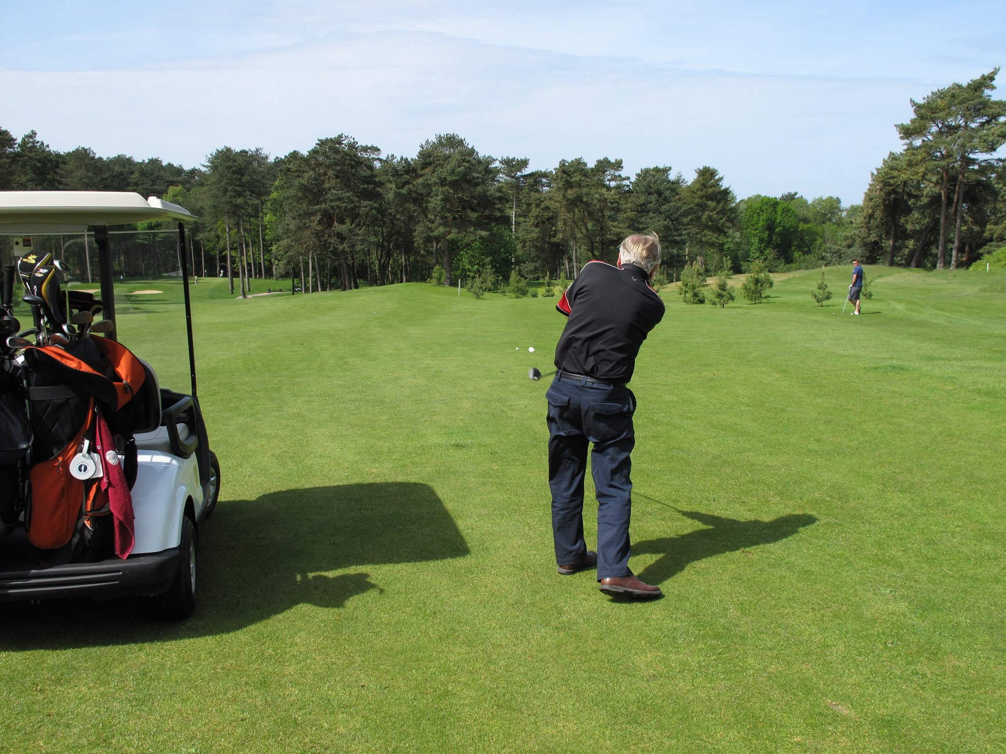 Hughie executing a perfect approach shot. France 2009.