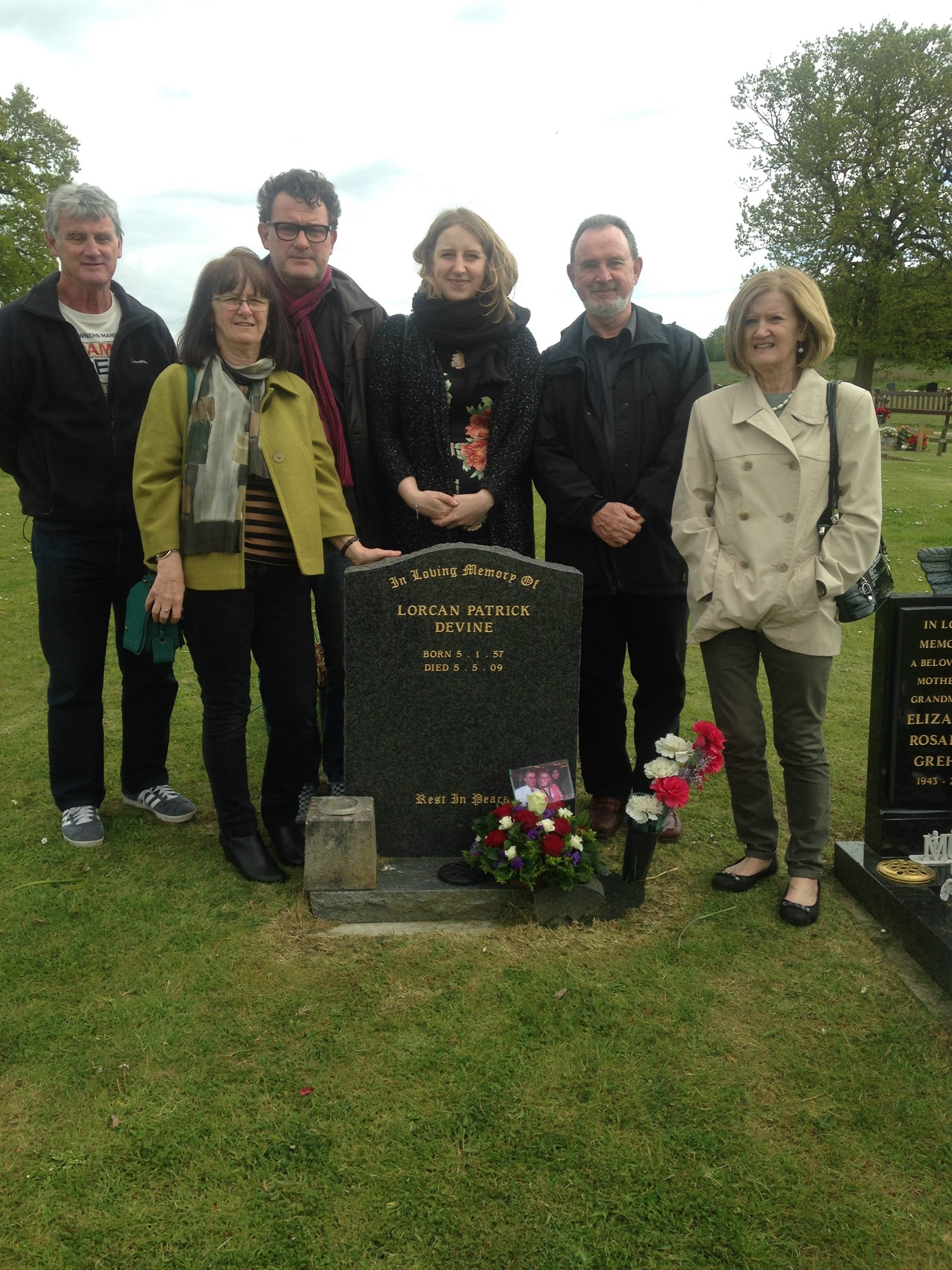 Remembering Lorcan today...all 5 siblings and Alice gathered at the graveside. Still miss you brother & father xxxxxx