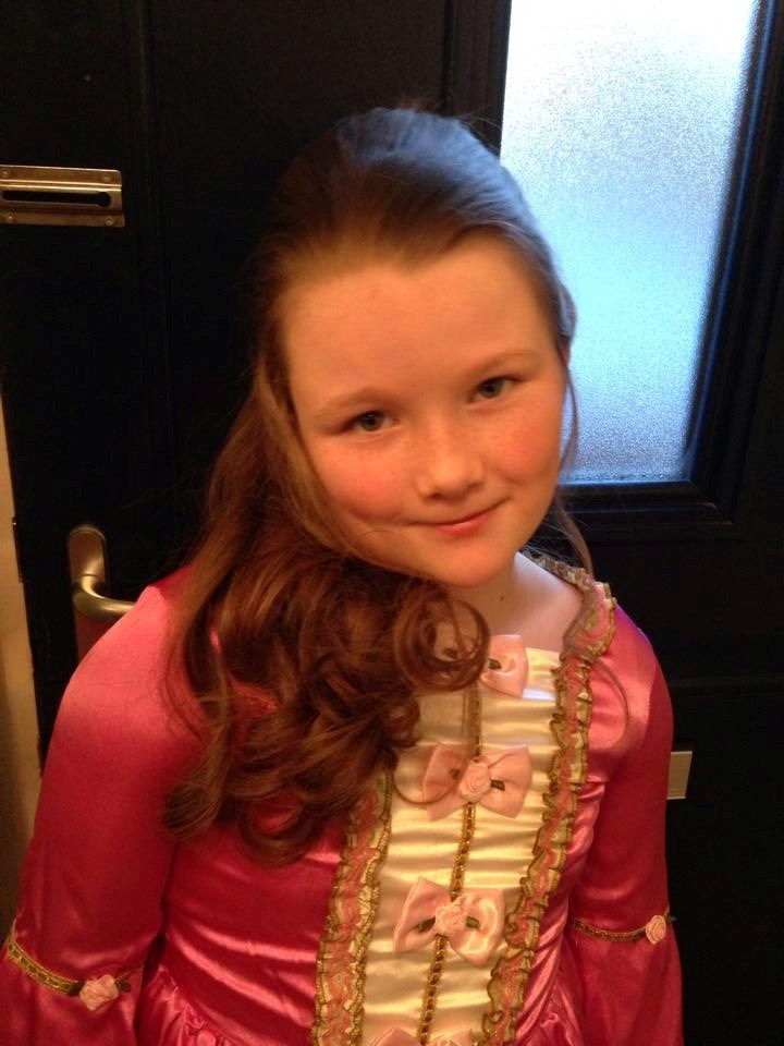 Look at your beautiful daughter Paige Ella.... The image of you Daniel xxx