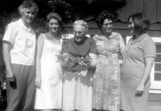 3 sisters, 1 in-law, and Flora Brim