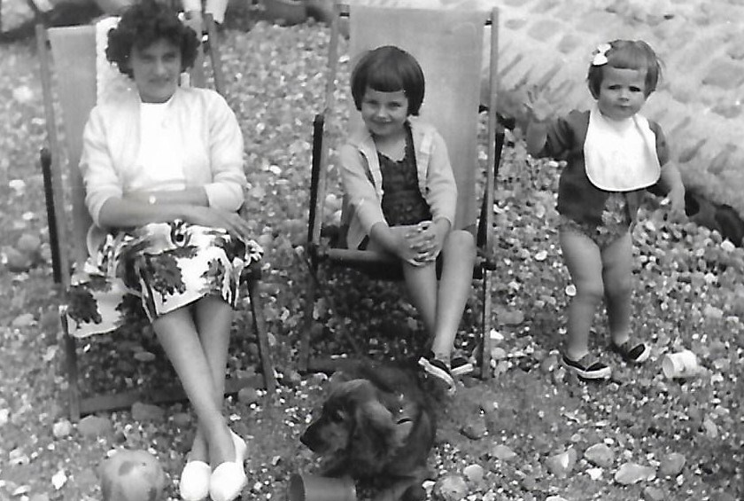 Vera with daughters Pauline and Marilyn on the beach