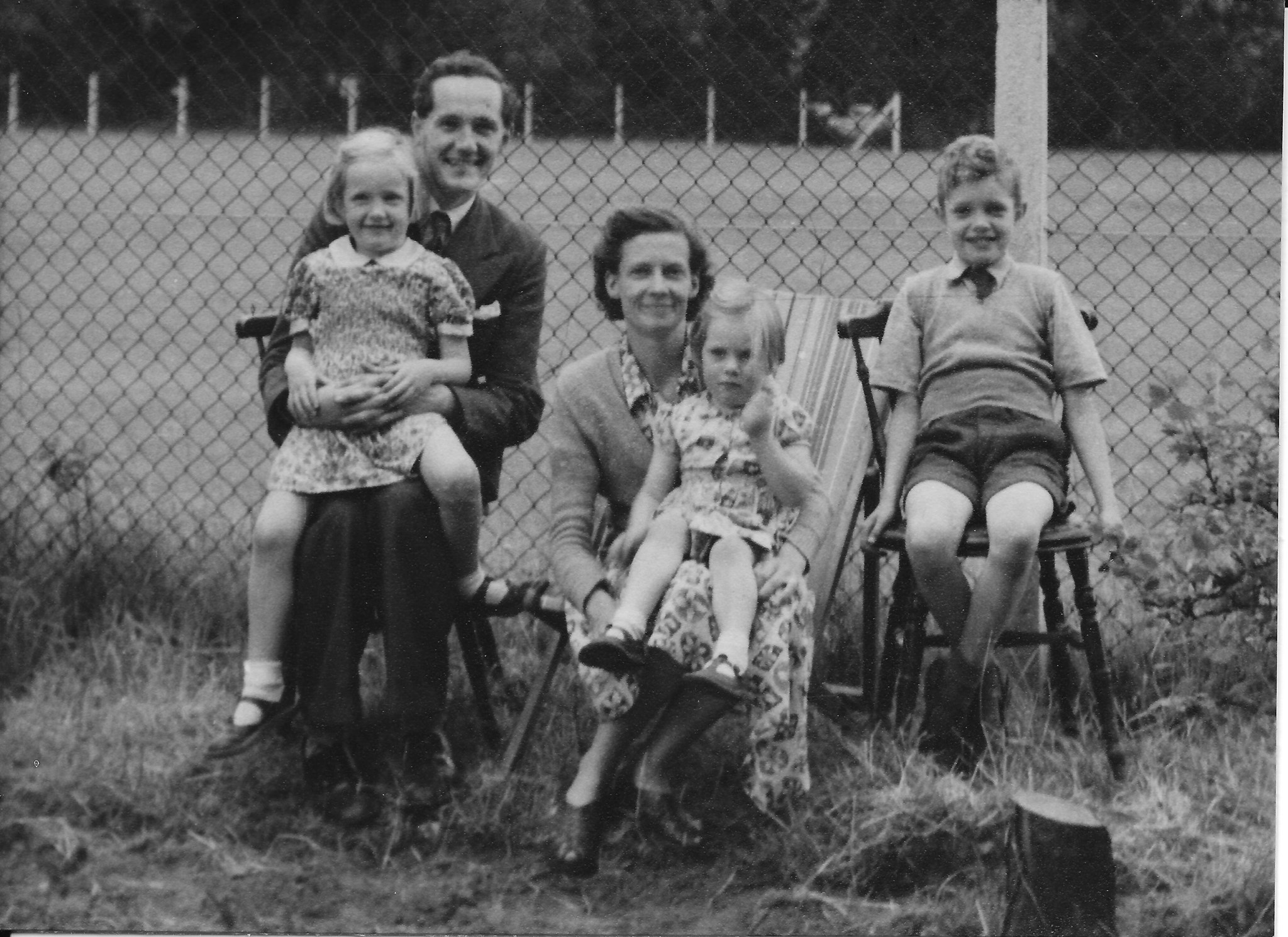 The Hanley family at Chilworth, summer 1953