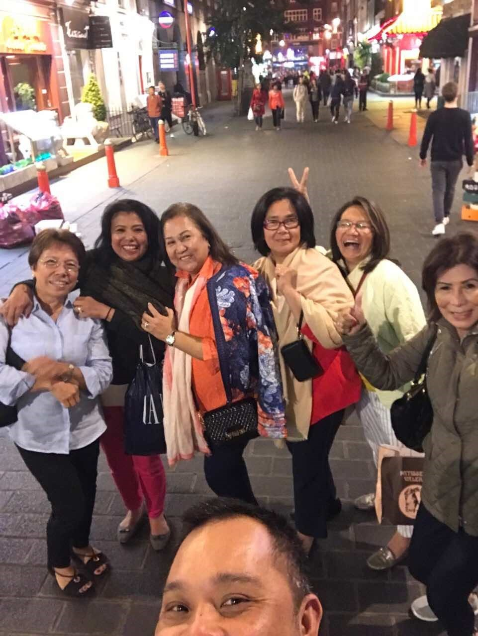 Happy Night Out.... Positive lang lage...