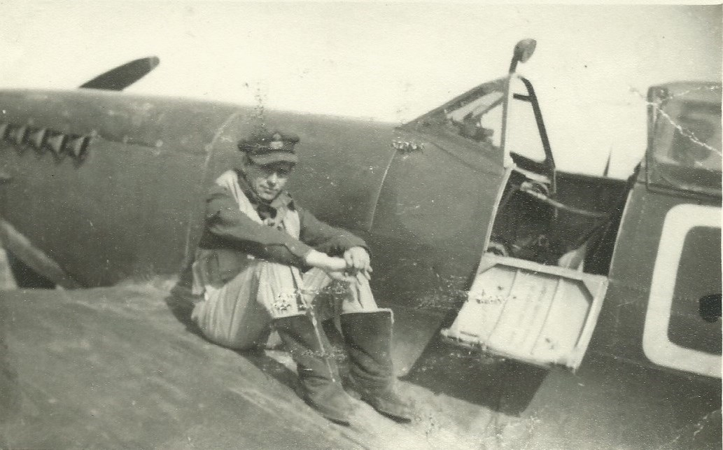 Dad on 'standby' on his spitfire as a brand new PO based in Malta