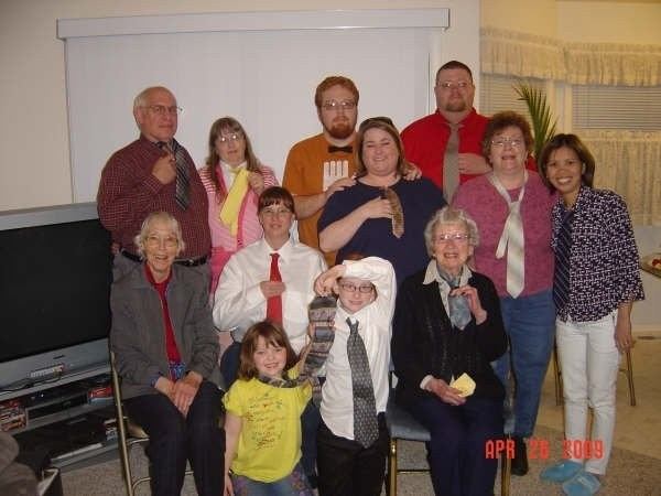 April 2009 - Columbia Christian Church - Jerry & Becky Uhlig behind D - Vivian Uhlig right front