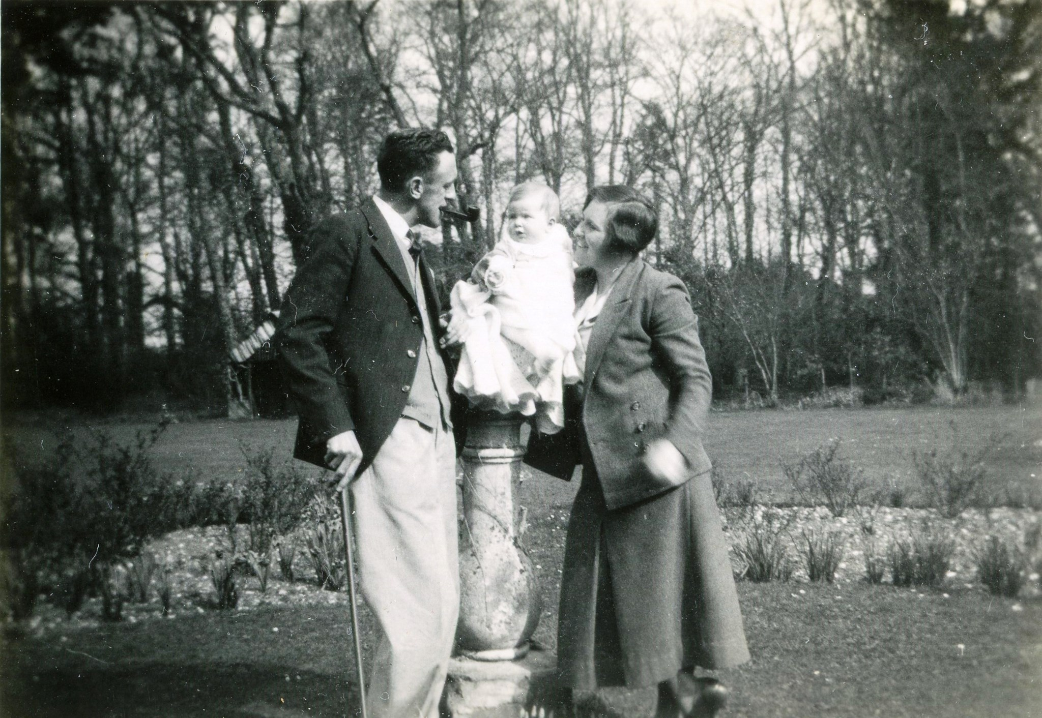 1936.3 Jane & her parents John & Todge